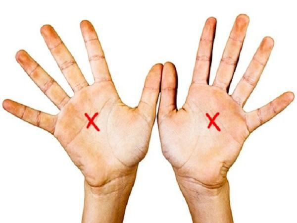Chỉ tay chữ X trong lòng bàn tay thì tướng số ra sao?