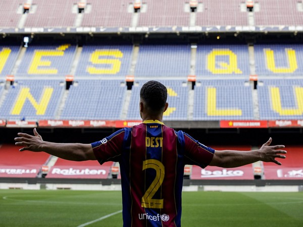 Tin bóng đá chiều 13/10: Tân binh Barca đặt mục tiêu lớn ở Camp Nou