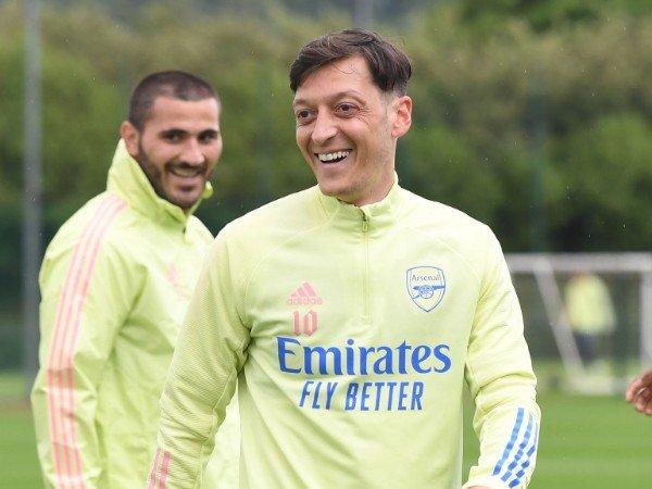 Chuyển nhượng 11/12: Lộ lý do Juventus không thể mua Ozil